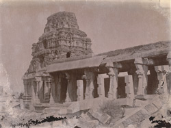 North gopura and colonnade of the Vitthala Temple, Vijayanagara.